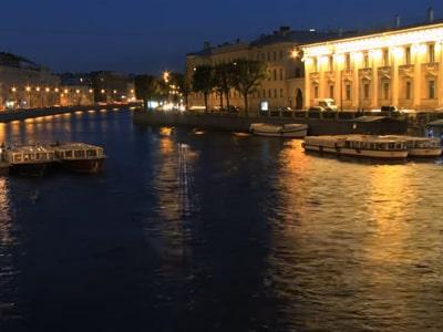 На велосипедах по ночному Петербургу