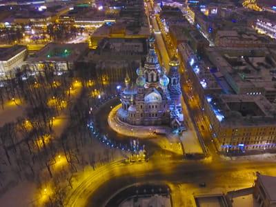 Ночные экскурсии по Санкт-Петербургу (на автобусе, водные по каналам на теплоходе, обзорные и разводные мосты)