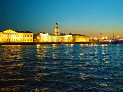 Ночная экскурсия по Санкт-Петербургу на автобусе